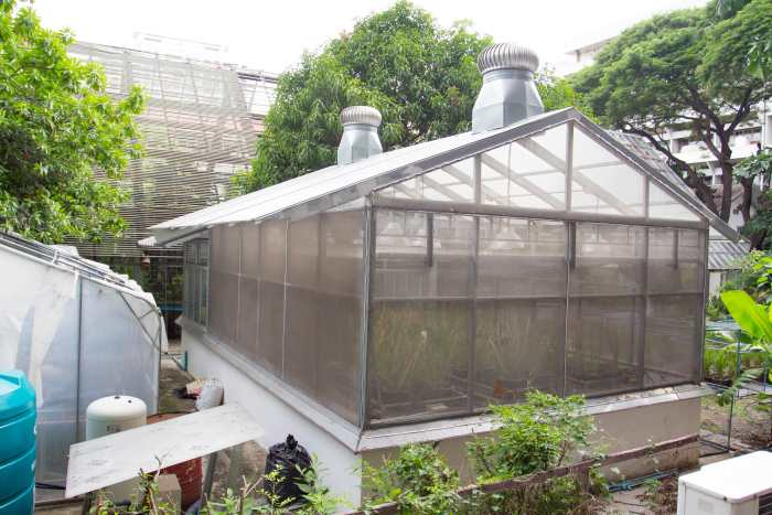 greenhouse with humidity control
